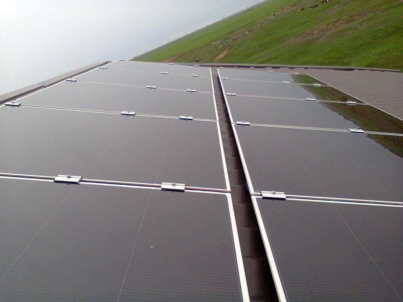 Автономная солнечная электростанция мощностью 1 кВтчас -фото