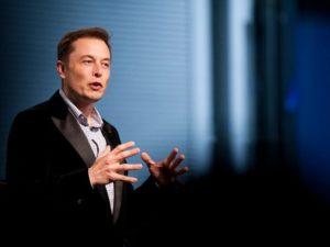 Глава Tesla предрекает возврат к Средневековью без использования ВИЭ