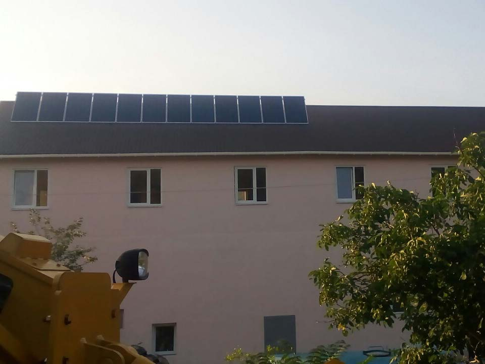 г. Алушта, автономная солнечная электростанция 3кВтчас - фото