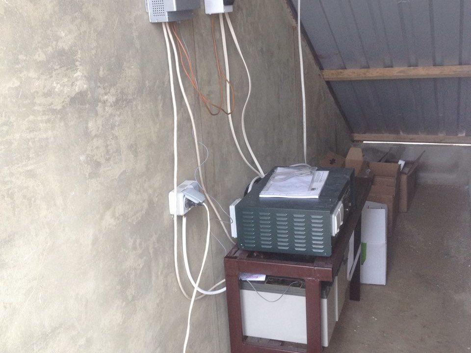 пос. Молочное, частный дом, Автономная система энергообеспечения на базе солнечных поликристаллических модулей - фото3