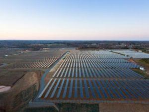 Microsoft подписал крупнейший в США контракт на закупку солнечной энергии