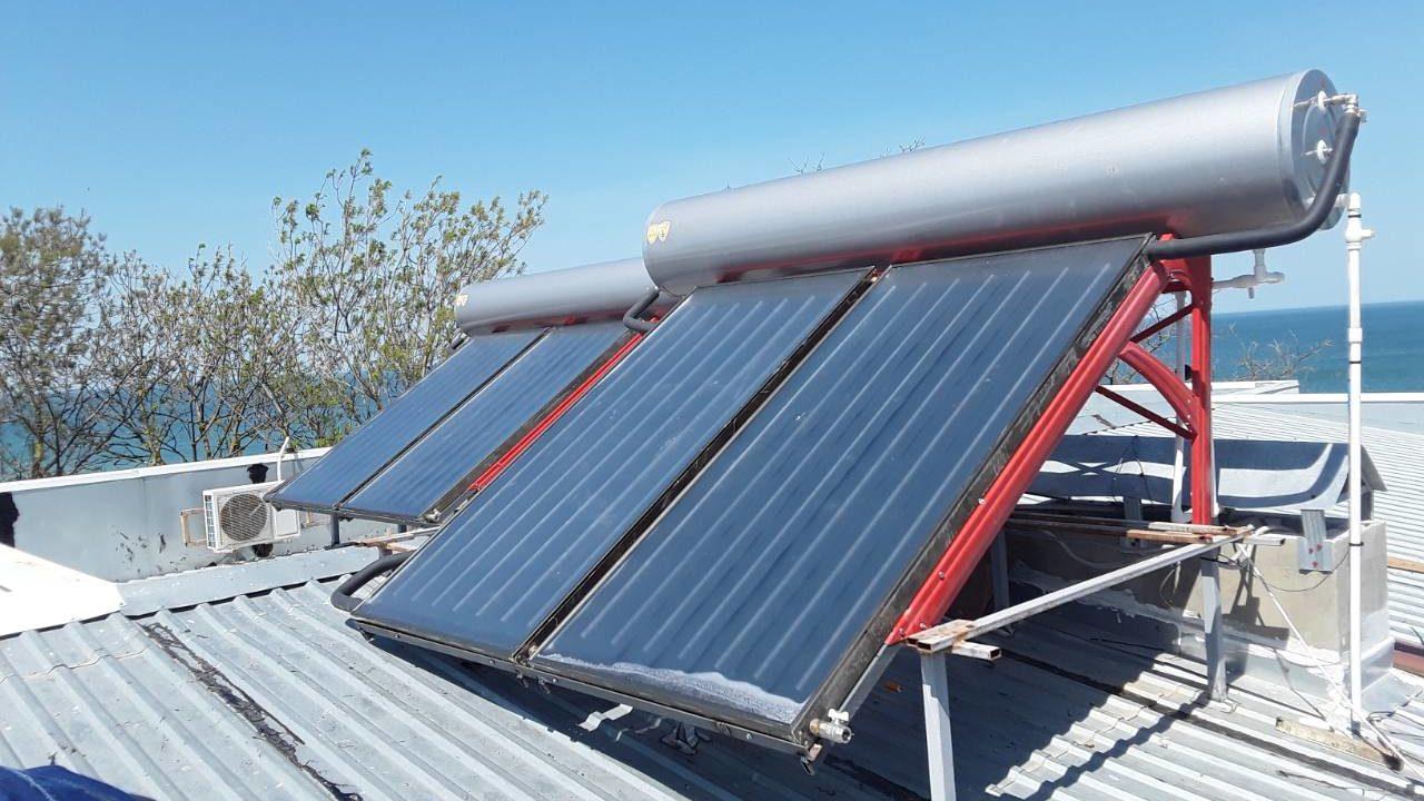10 термосифонных установок по 200л в коттеджном поселке в г. Щёлкино фото 7