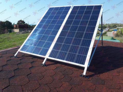 Автономная солнечная электростанция на домик для строителей - фото